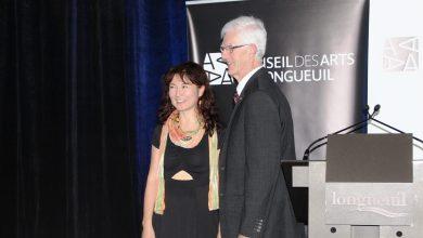 Photo of Le Prix Reconnaissance Desjardins du Conseil des arts de Longueuil est remis à Farangis Nurulla-Khoja